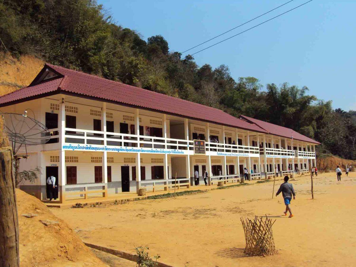Schulhaus in Muang Khua