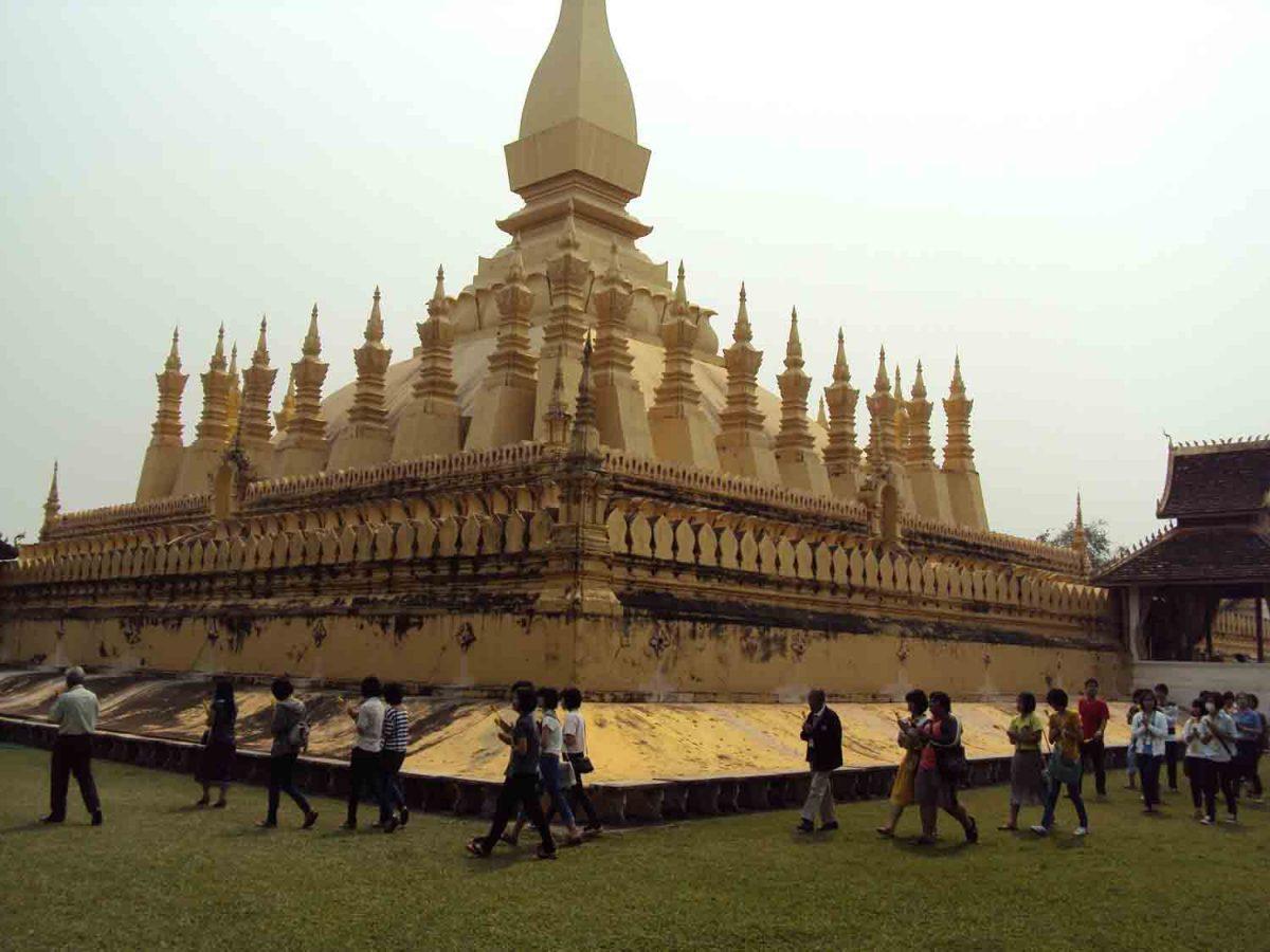 Prozession um den Stupa