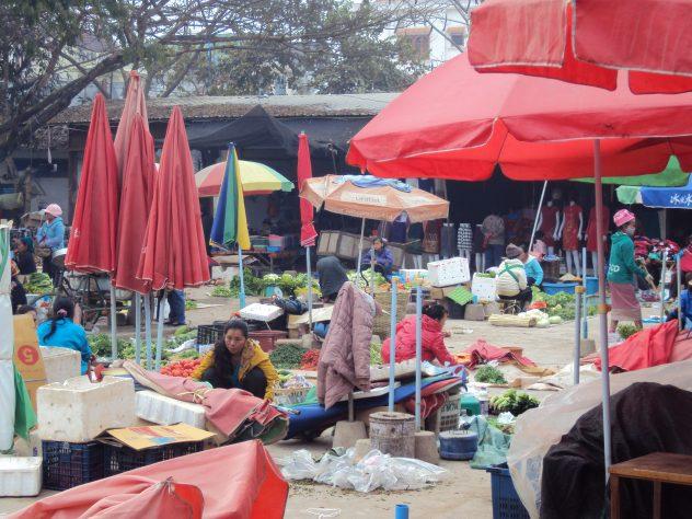 Gemüse- und Früchtemarkt