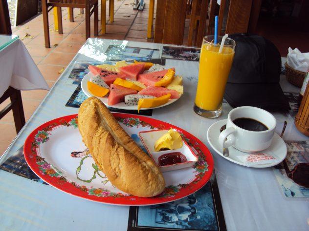 Breakfast in Hué