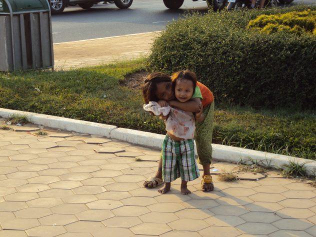 poor kids in Phnom Penh