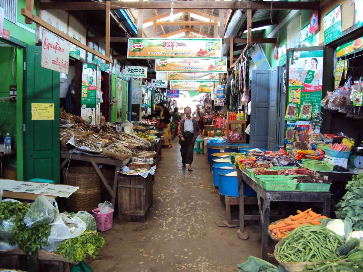 fruit- and vegetable market