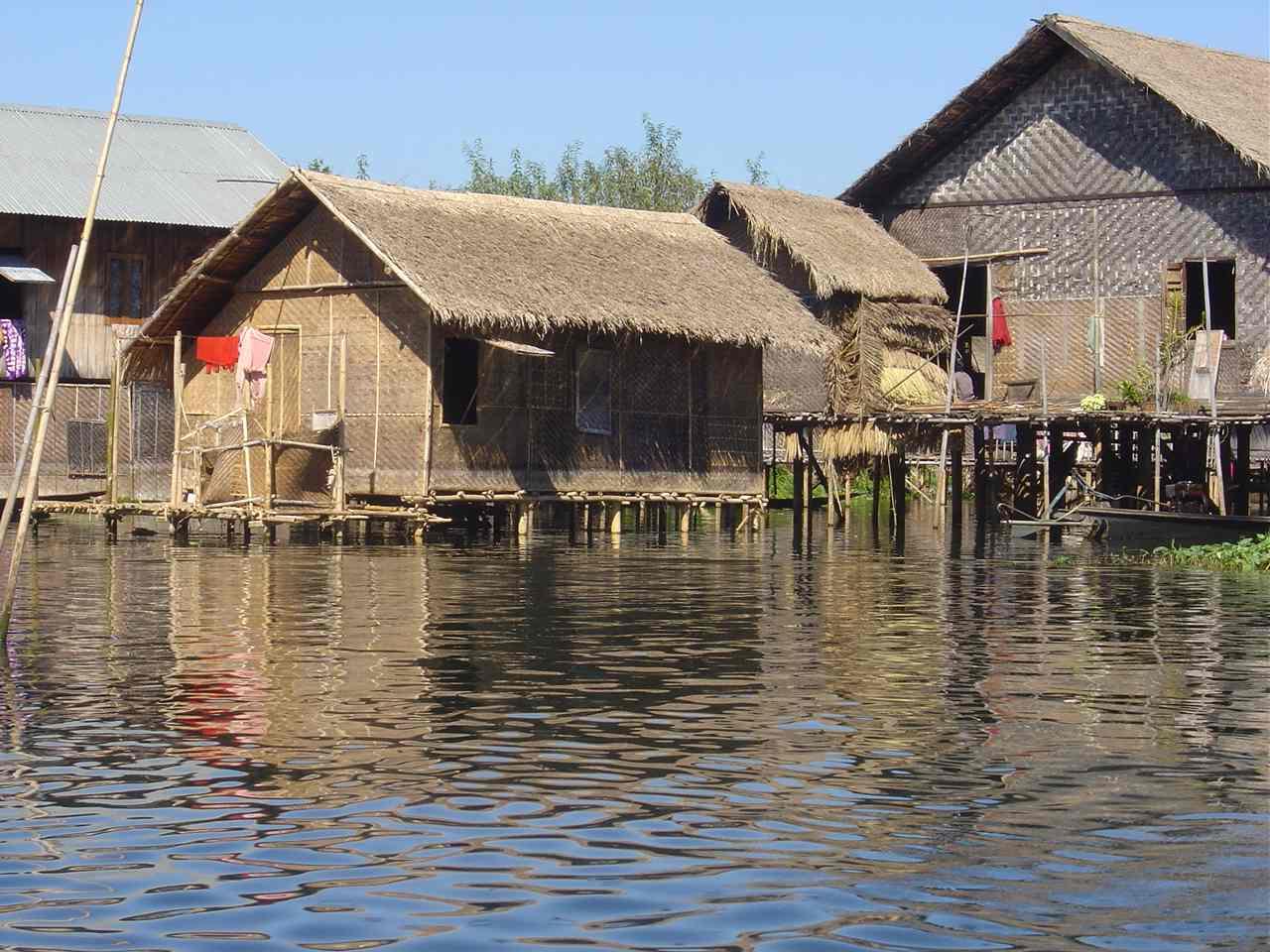 Dörfer auf dem See