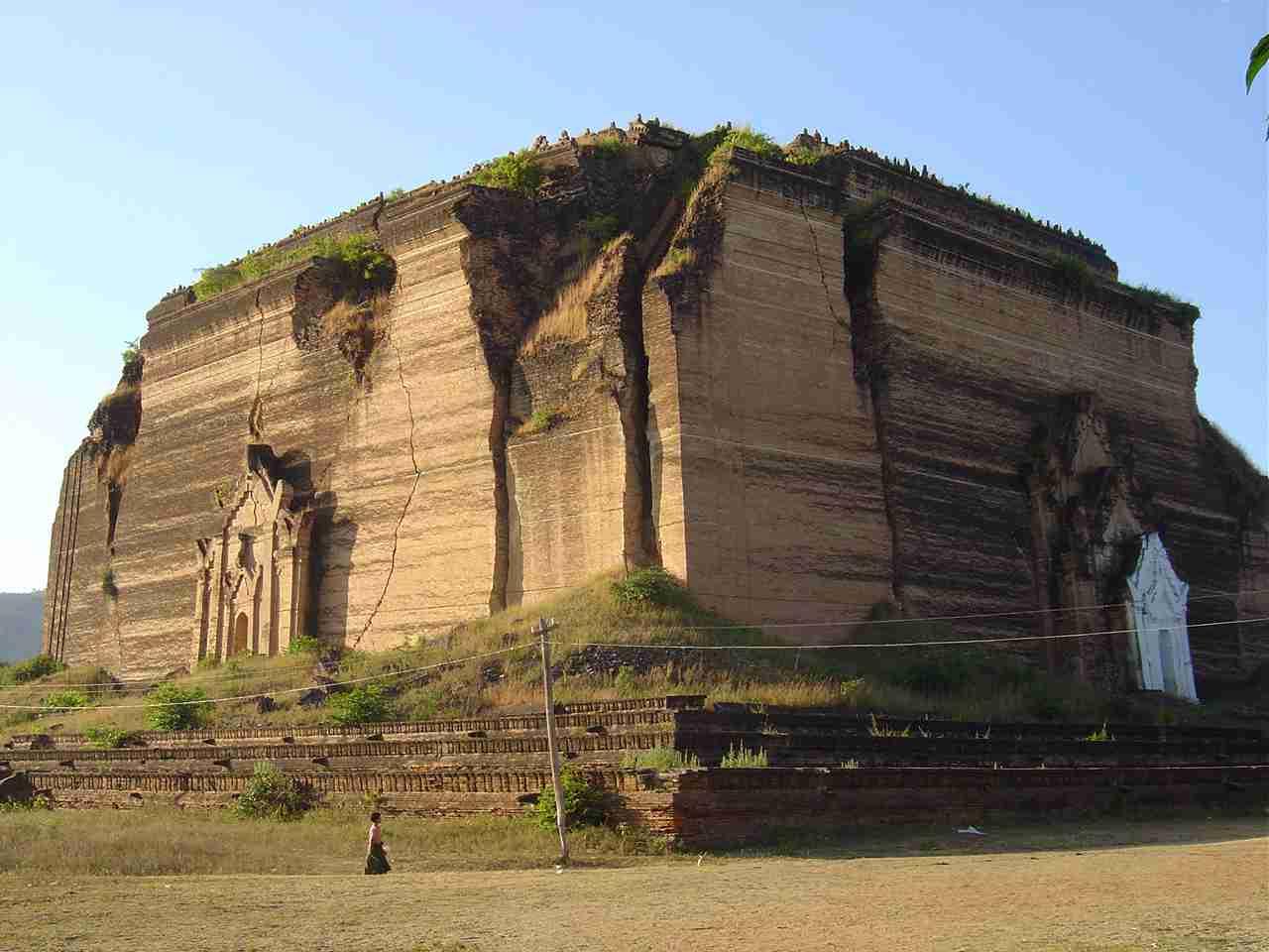 Ruins in Mingun