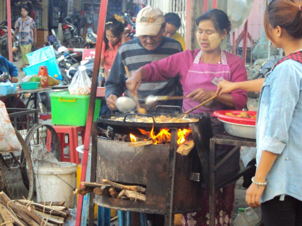 open kitchen in Pyin U Lwin