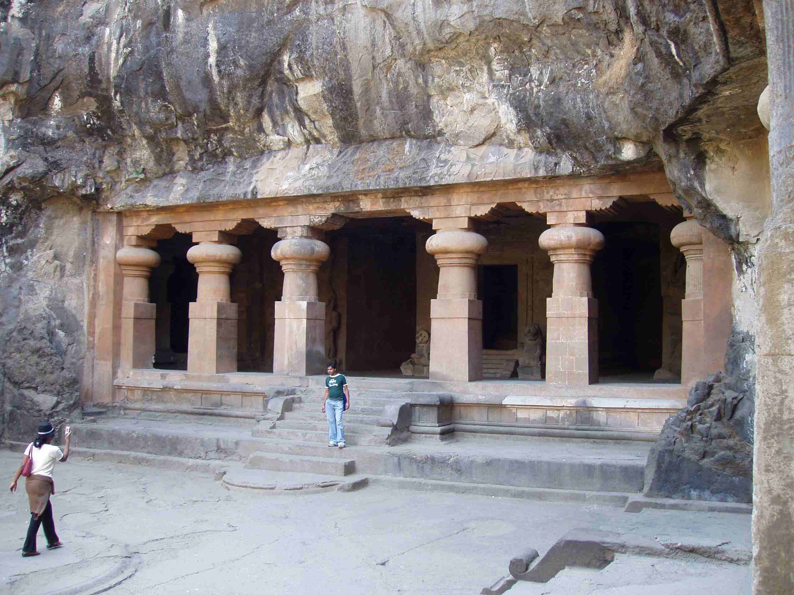 Entrance to the caves in Elephanta