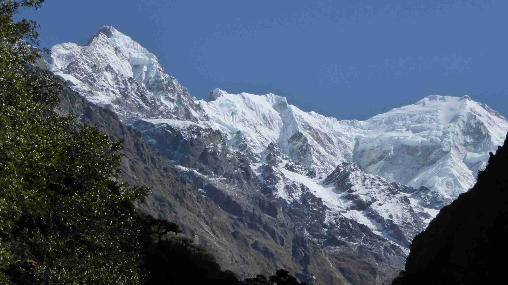 On the left the Langtang Ri, the highest peak of the area