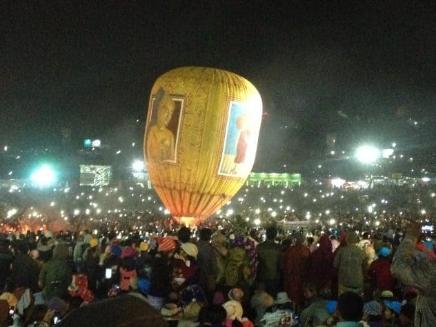 Backpacking in Myanmar - Ballonfestival in Taunggy