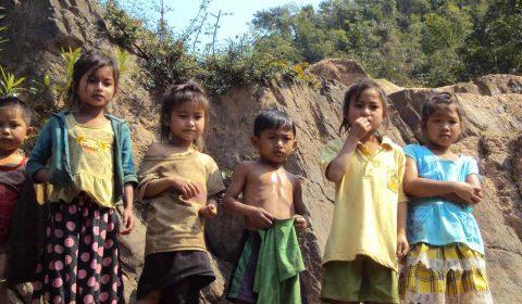 Children at the Nam Ou River