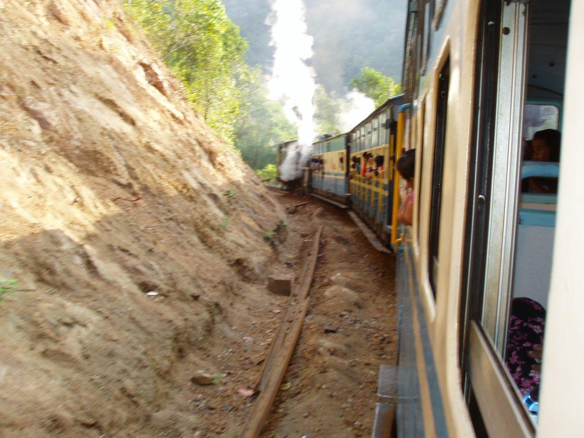 Nilgiri Blue Mountain Railroad, steil und eng