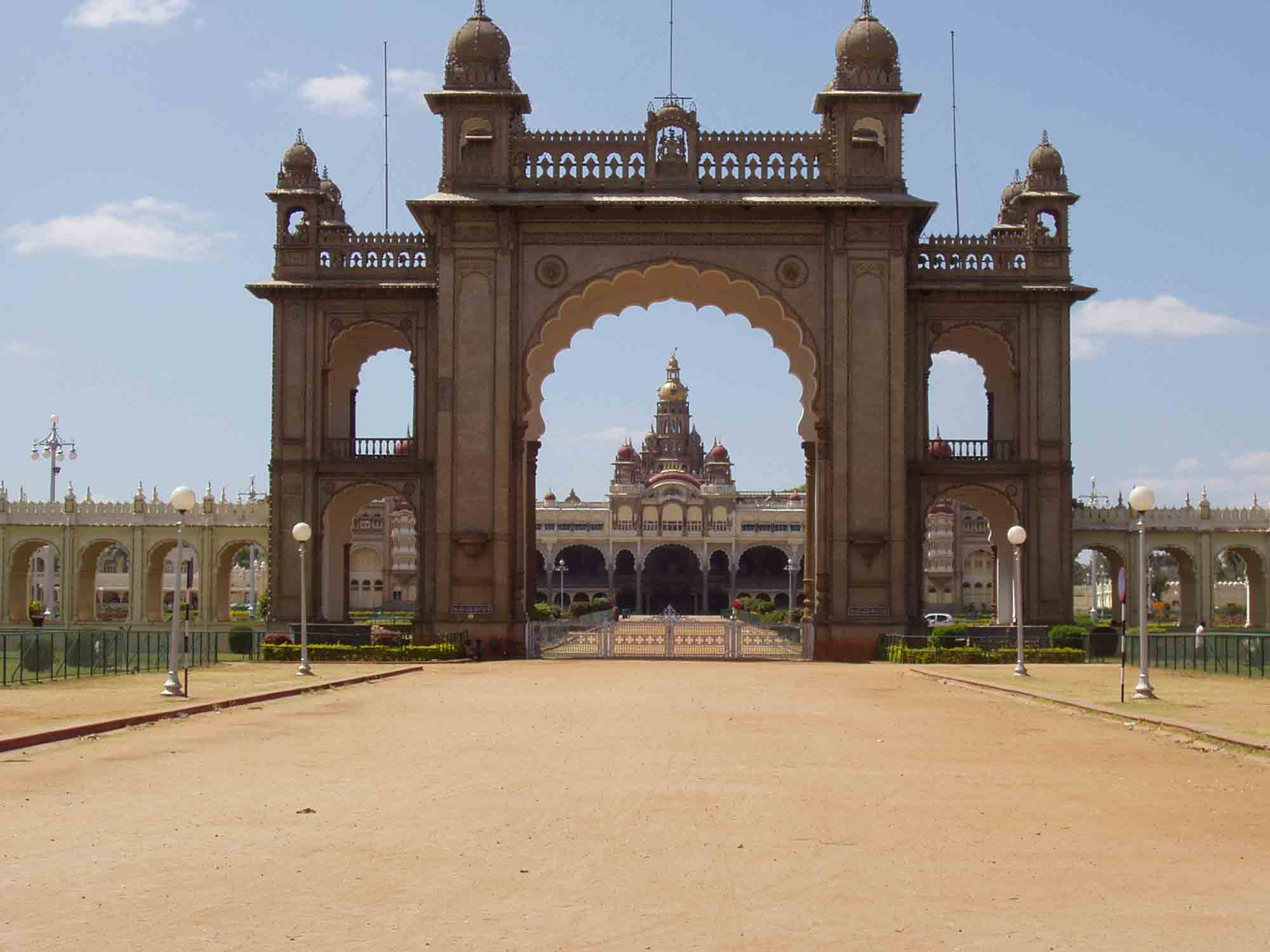 The massive entrance gate to the palace