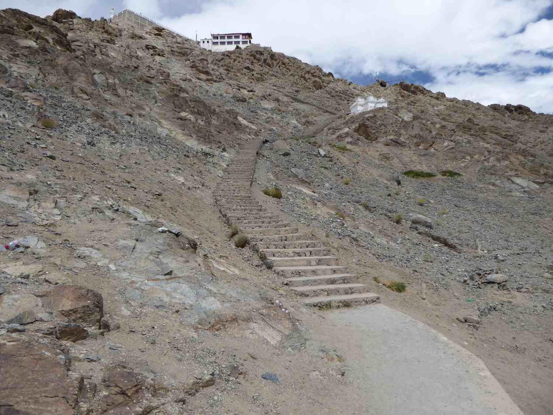 Weg zum Tempel