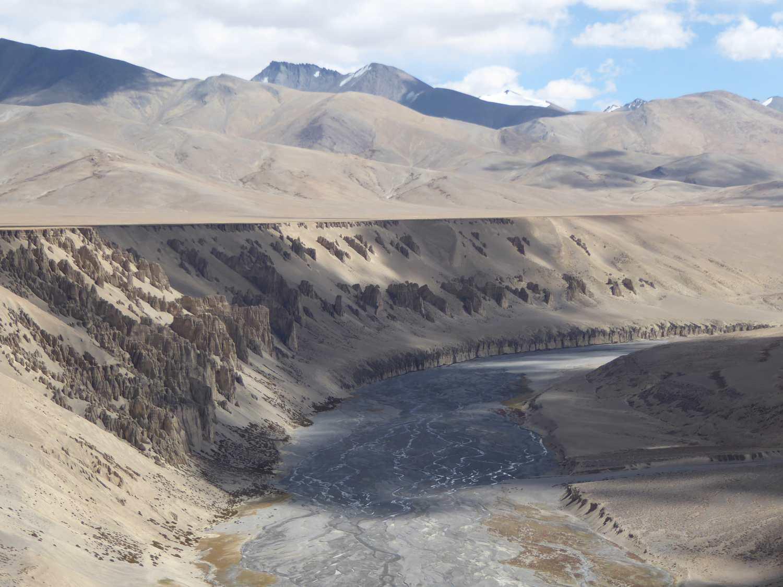 Flusstal und Ebene