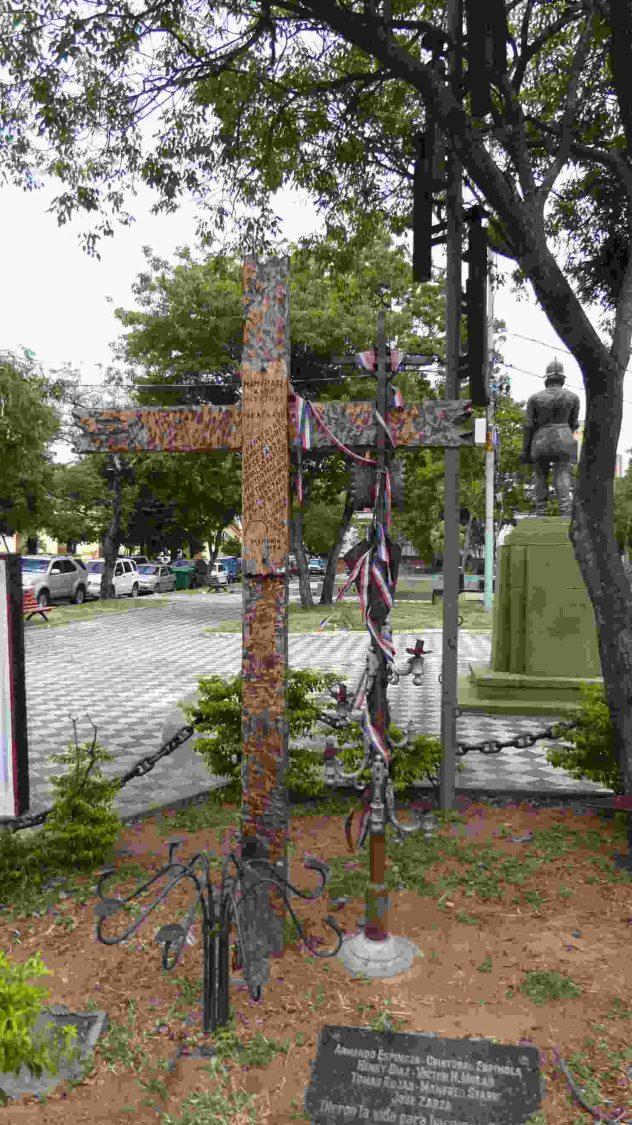 Kreuze für die Verschwundenen und Getöteten