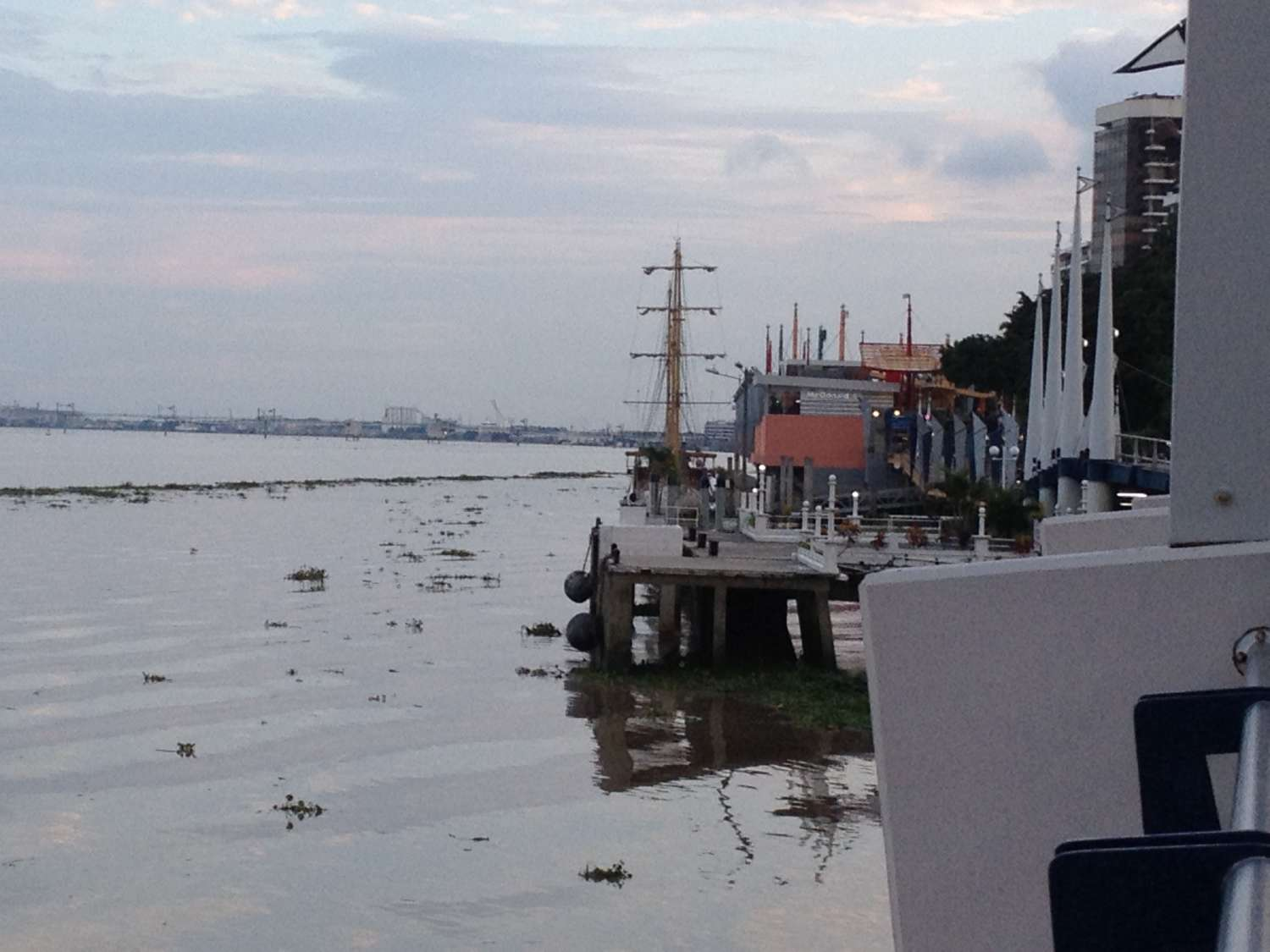Guayaquil - at the Shore