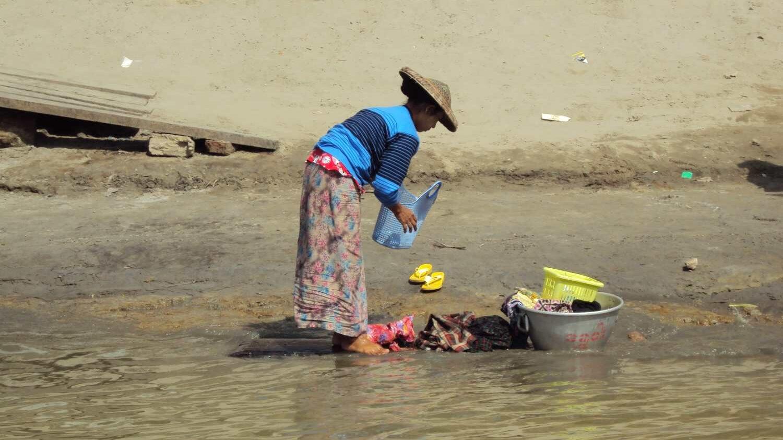 Permalink auf:Myanmar – Waschtag am Irrawaddy