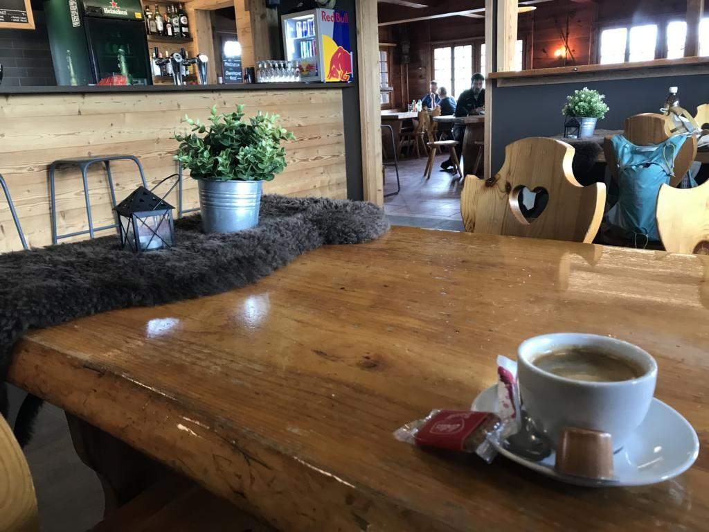 Coffee break beneath the Moléson